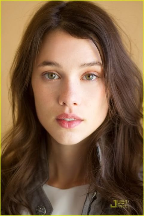 Katherina... Sam-clafin-astrid-berges-frisbey-exclusive-interviews-04