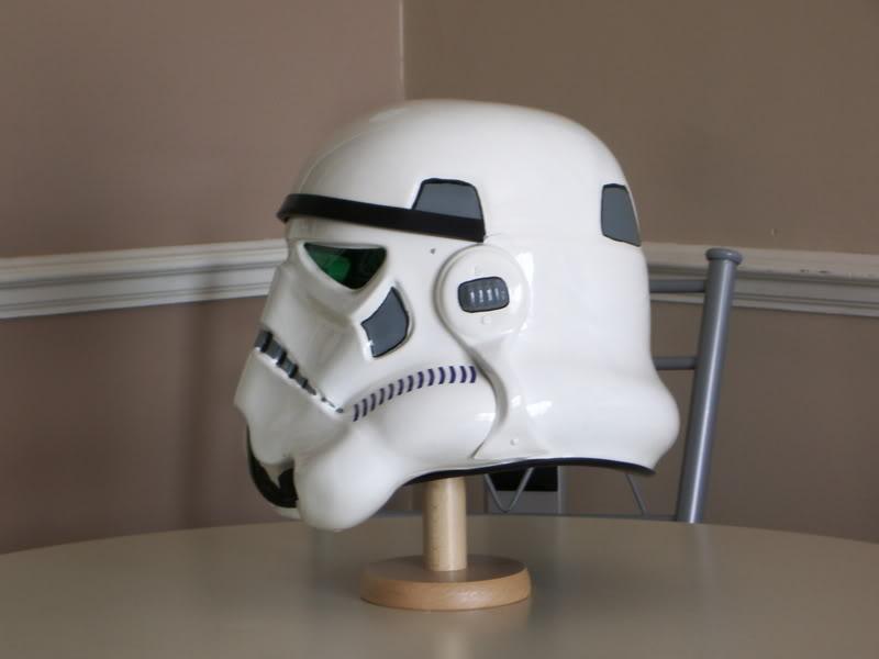 Les différents costumes fan-made de stormtrooper TEHDPE068
