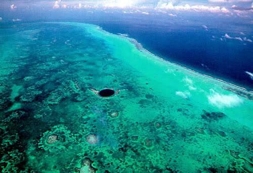 Los 7 Agujeros mas grandes del mundo Mar
