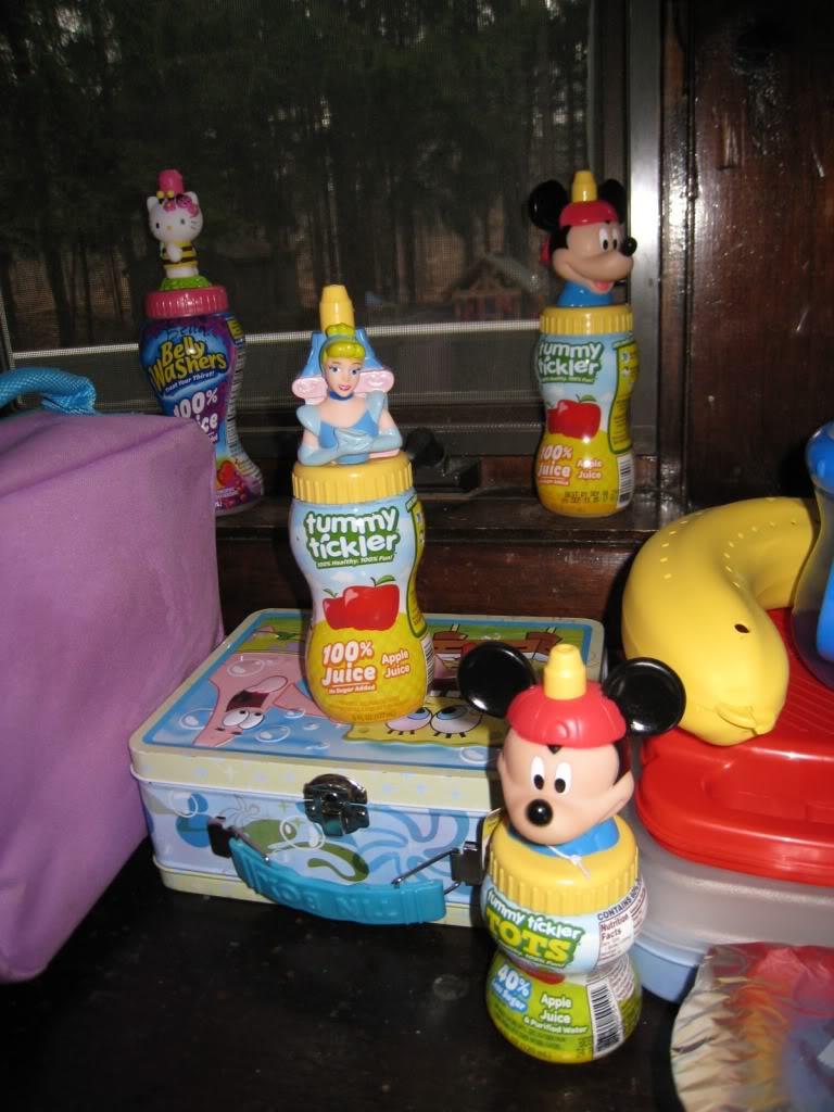 Présentement chez MAXI, bouteille de jus Mickey et autres Jus