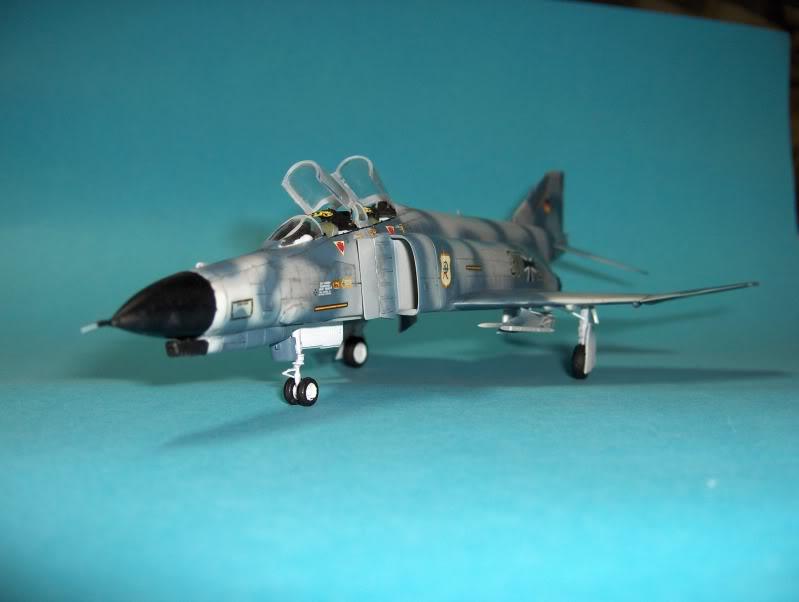 F-4F PHANTOM II EXPERIMENTAL CAMO REVELL 1/72 HPIM3996