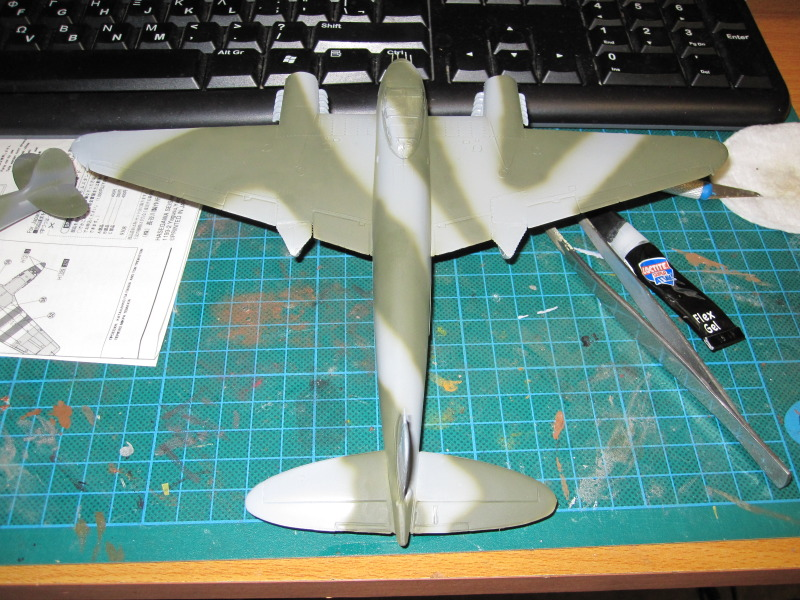 Airfix 1/72 de Havilland Mosquito MkXVIII+Spitfire MkVb IMG_0029-2