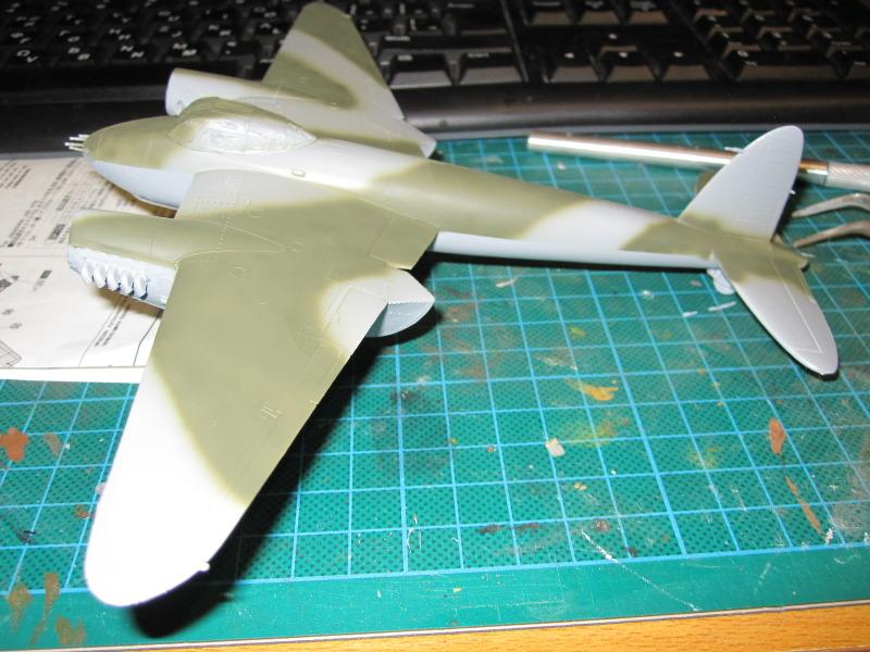 Airfix 1/72 de Havilland Mosquito MkXVIII+Spitfire MkVb IMG_0031-2