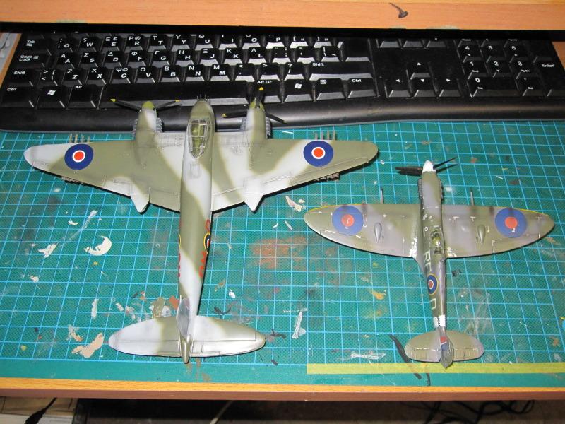 Airfix 1/72 de Havilland Mosquito MkXVIII+Spitfire MkVb IMG_0041-2