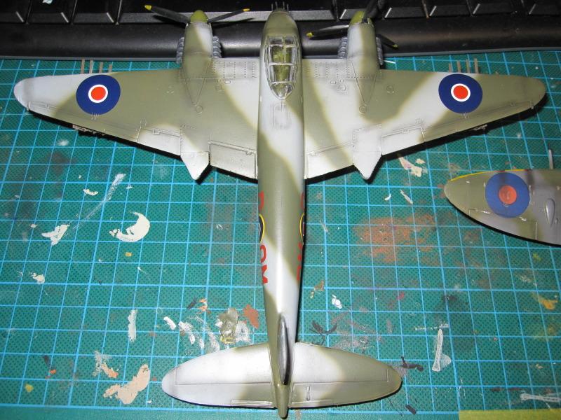 Airfix 1/72 de Havilland Mosquito MkXVIII+Spitfire MkVb IMG_0043-2