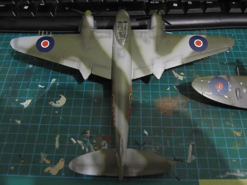 Airfix 1/72 de Havilland Mosquito MkXVIII+Spitfire MkVb IMG_0044