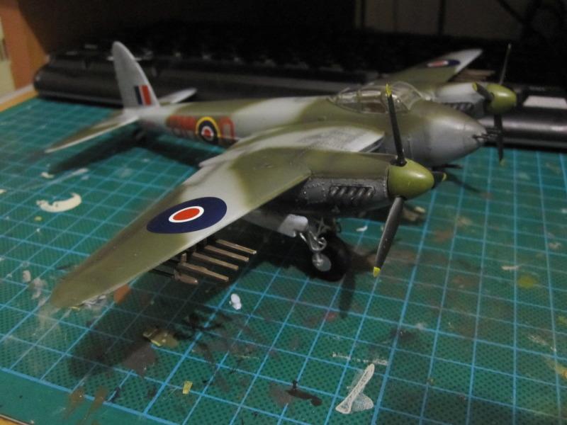 Airfix 1/72 de Havilland Mosquito MkXVIII+Spitfire MkVb IMG_0053