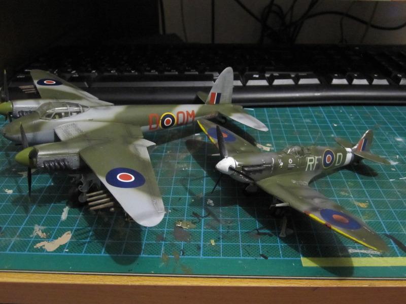 Airfix 1/72 de Havilland Mosquito MkXVIII+Spitfire MkVb IMG_0059
