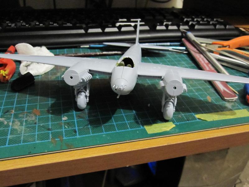 Airfix 1/72 de Havilland Mosquito MkXVIII+Spitfire MkVb IMG_0203