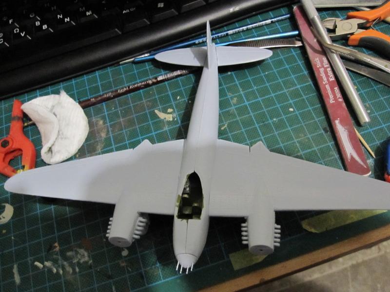 Airfix 1/72 de Havilland Mosquito MkXVIII+Spitfire MkVb IMG_0205