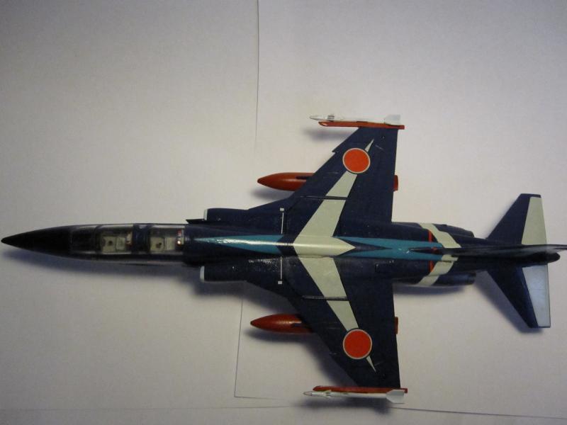 Blue Impulse Mitsubishi T-2 Hasegawa 1/72( τ΄αποφασισα!!!!) IMG_0252_zps7c4aec3b