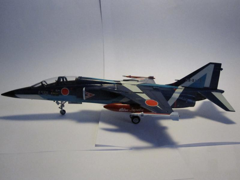 Blue Impulse Mitsubishi T-2 Hasegawa 1/72( τ΄αποφασισα!!!!) IMG_0253_zps4e3a11c0