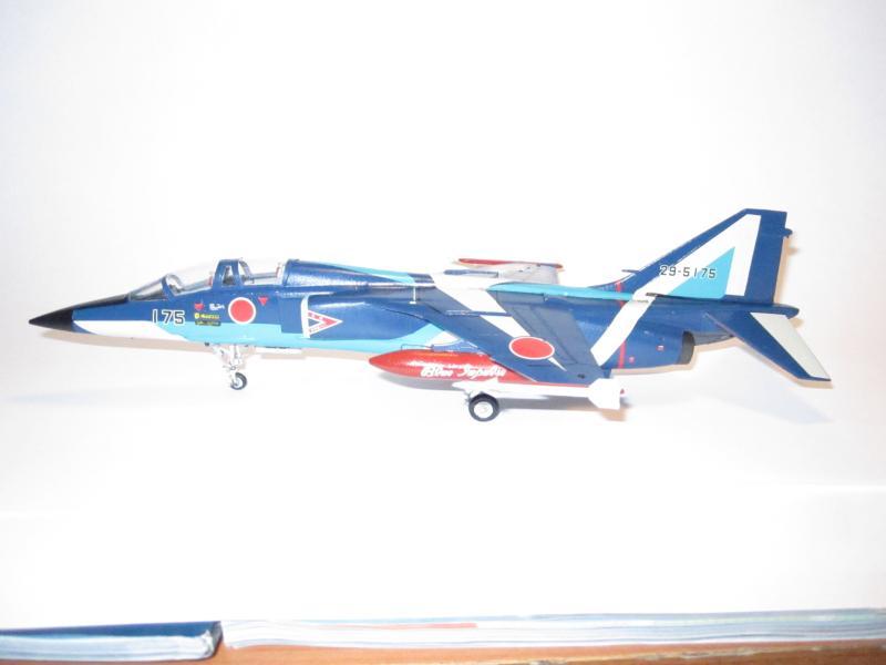 Blue Impulse Mitsubishi T-2 Hasegawa 1/72( τ΄αποφασισα!!!!) IMG_0254_zpsc0377dad