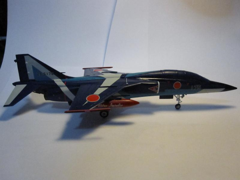 Blue Impulse Mitsubishi T-2 Hasegawa 1/72( τ΄αποφασισα!!!!) IMG_0254_zpsf1c1c92f