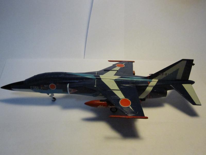 Blue Impulse Mitsubishi T-2 Hasegawa 1/72( τ΄αποφασισα!!!!) IMG_0256_zpsa3c5df0a