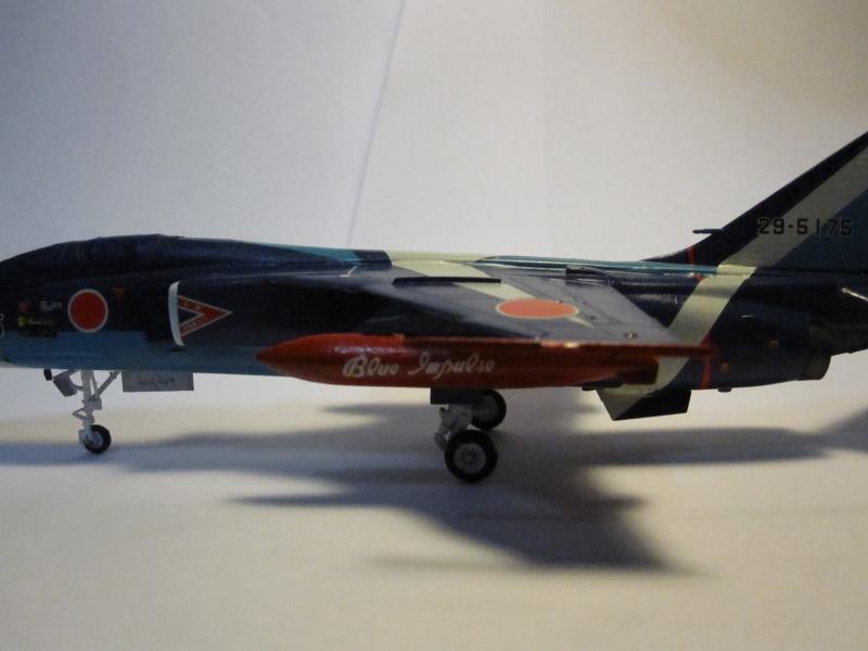 Blue Impulse Mitsubishi T-2 Hasegawa 1/72( τ΄αποφασισα!!!!) IMG_0257_zpsdcc66407