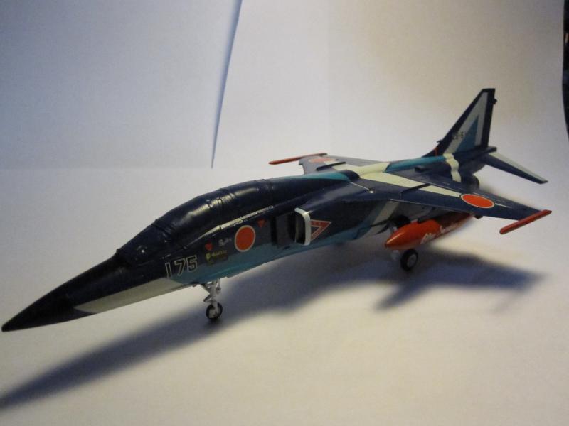 Blue Impulse Mitsubishi T-2 Hasegawa 1/72( τ΄αποφασισα!!!!) IMG_0258_zps6710ddd0