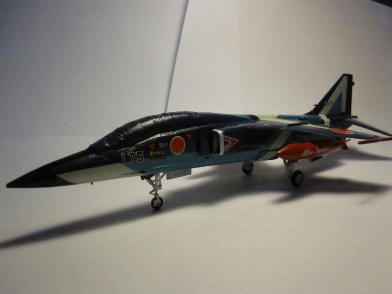 Blue Impulse Mitsubishi T-2 Hasegawa 1/72( τ΄αποφασισα!!!!) IMG_0259_zps45cd78bc