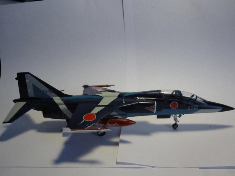 Blue Impulse Mitsubishi T-2 Hasegawa 1/72( τ΄αποφασισα!!!!) IMG_0259_zps7697dea3