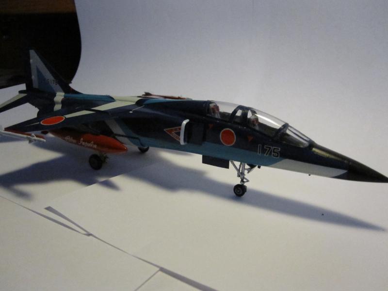 Blue Impulse Mitsubishi T-2 Hasegawa 1/72( τ΄αποφασισα!!!!) IMG_0260_zpsebc72a8f