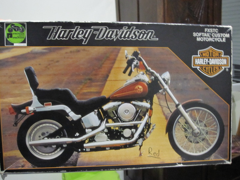 HARLEY DAVIDSON SOFTAIL CUSTOM 1/9 80s is back....!!!! IMG_0274