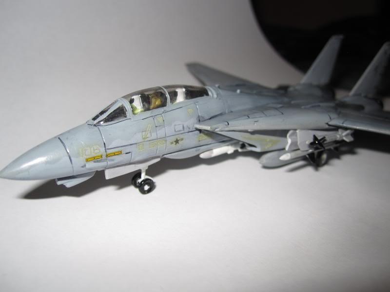 F-14A+ TOMCAT VF-101 GRIM REAPERS 1/144 (Θέμα που συμμετείχε στον Ηλεκτρονικό Διαγωνισμό) IMG_0336_zps26363b80