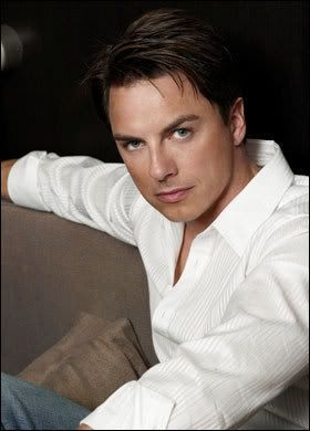 Let's see your eye candy! John_Barrowman_389124a