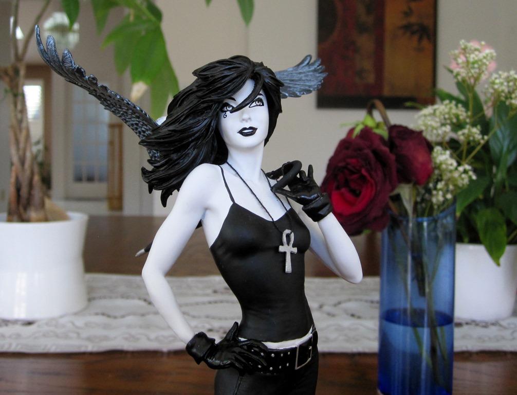 Vertigo Cover Girls Death Statue Death10
