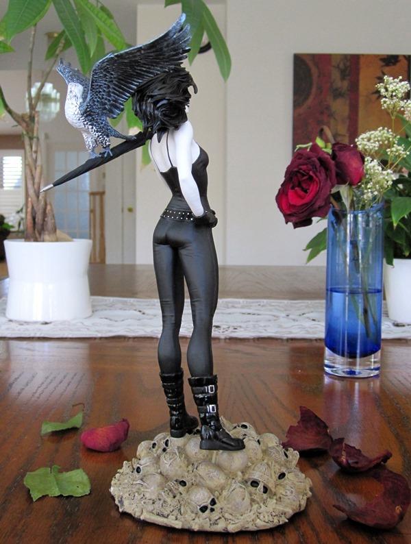 Vertigo Cover Girls Death Statue Death3