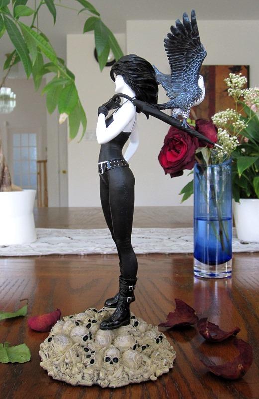 Vertigo Cover Girls Death Statue Death6