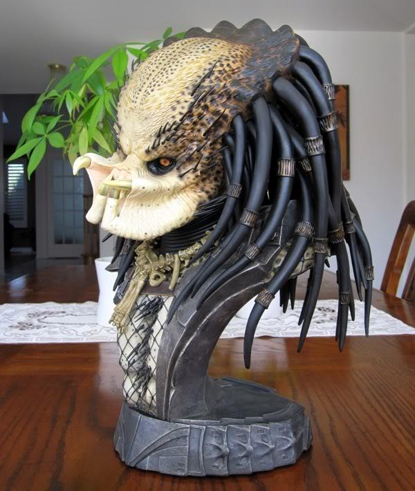 PREDATOR: THE PREDATOR Legendary scale bust Pred1