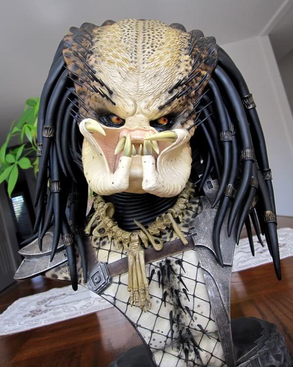 PREDATOR: THE PREDATOR Legendary scale bust Pred8