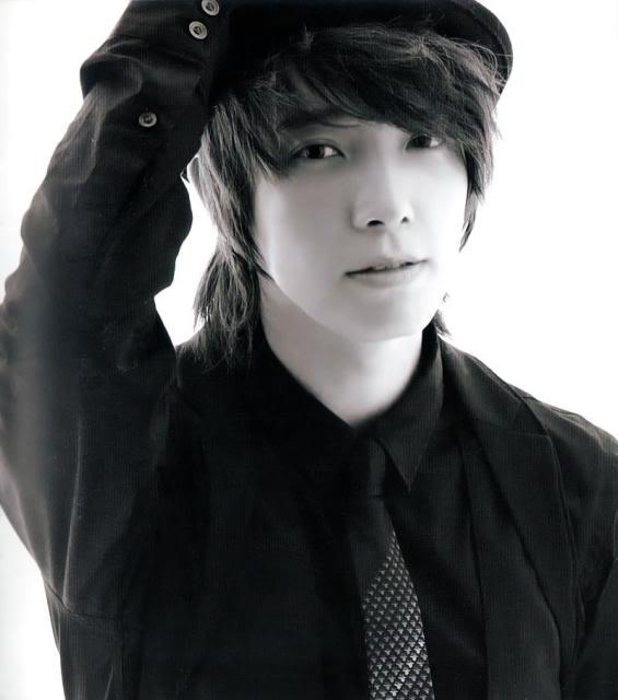 Super Junior phẫu thuật thẩm mỹ (plastic surgery)...hô hô Dong_hae_164