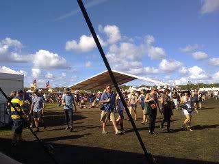 Byron Bay Bluesfest - Page 3 250420111001