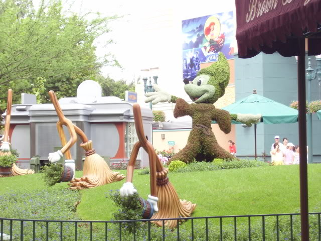 Kanye's Walt Disney World Picture Gallery! P8220169