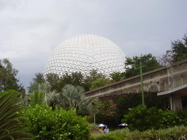 Kanye's Walt Disney World Picture Gallery! SpaceShipEarth