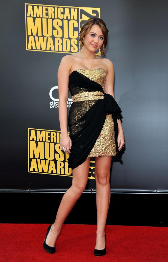 صور فنانين جدبده-صورممثلين-صور ممثلات 39487_Miley_Cyrus_arrives_at_the_20