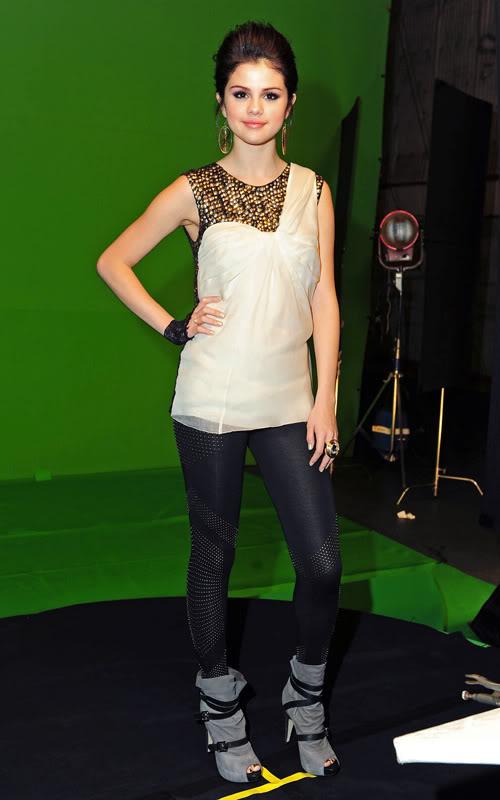 صور سيلينا  Selena-gomez-12049-9