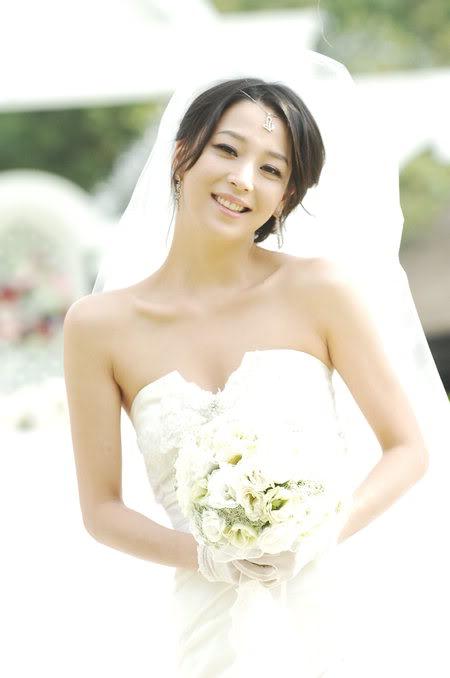 Han Go Eun | 한고은 4a350ccb_417950af_20090615_02500117