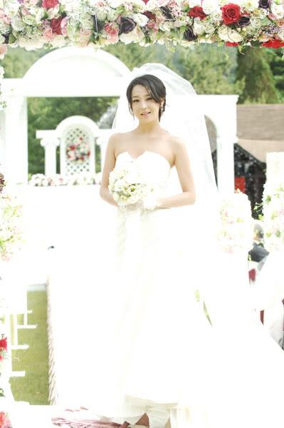 Han Go Eun | 한고은 4a350cd3_4cdd36f1_tn_1244980323_-18