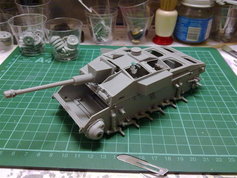 Andrew C's Build - Resupply on the Eastern Front - StuG III Ausf F/8 191120126150