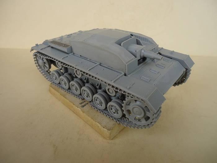 Sd.Kfz 142 StuG. III Ausf. B 1/35 DSC00761_zpsb524f611