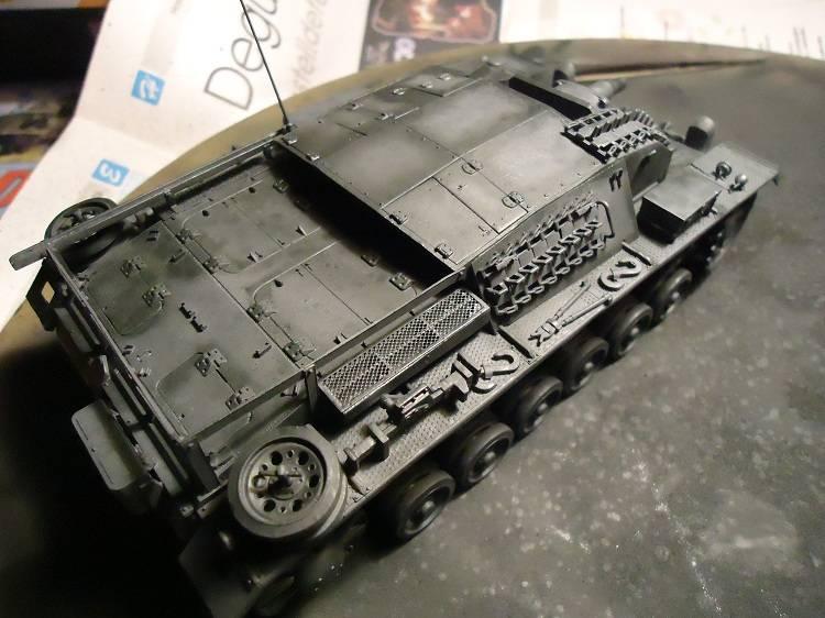 Sd.Kfz 142 StuG. III Ausf. B 1/35 DSC00848_zpse6cdbe37