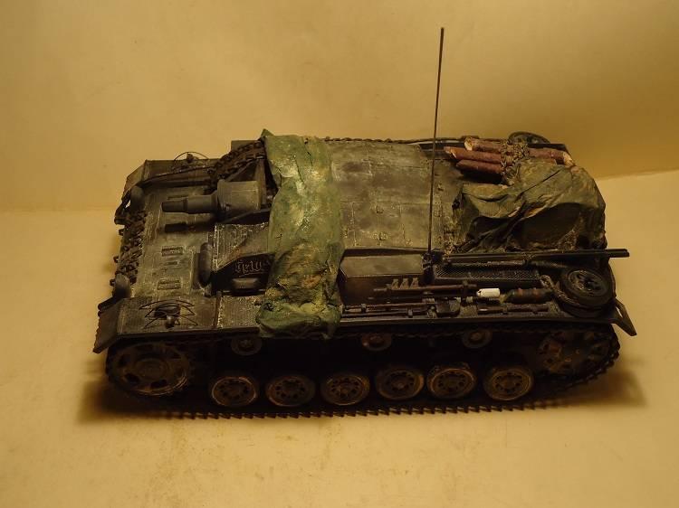 Sd.Kfz 142 StuG. III Ausf. B 1/35 DSC00885_zps4b6f7f73