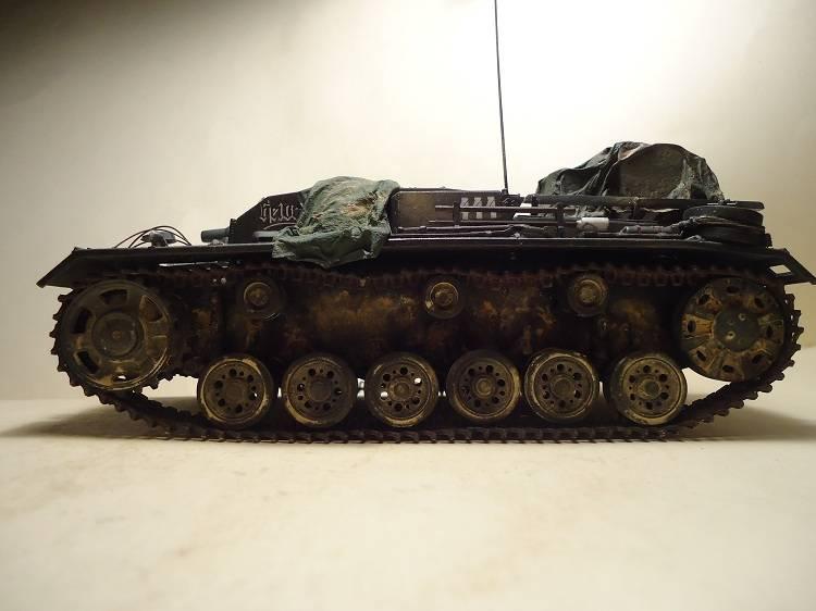Sd.Kfz 142 StuG. III Ausf. B 1/35 DSC00886_zpscb6d77ae