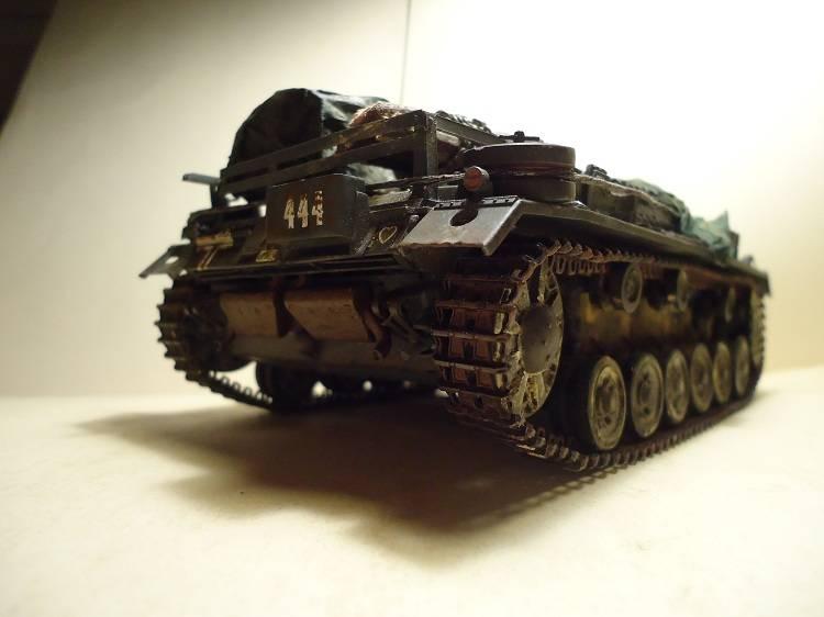 Sd.Kfz 142 StuG. III Ausf. B 1/35 DSC00890_zps8b1b3a0c