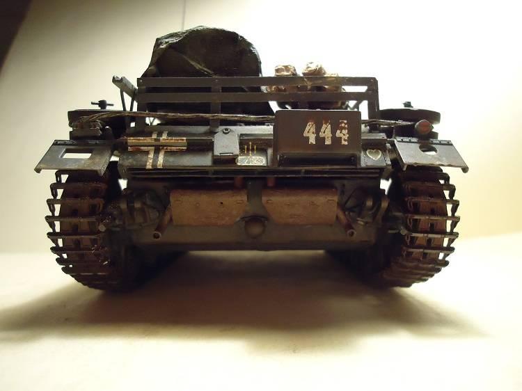 Sd.Kfz 142 StuG. III Ausf. B 1/35 DSC00891_zps6c5fc2d7