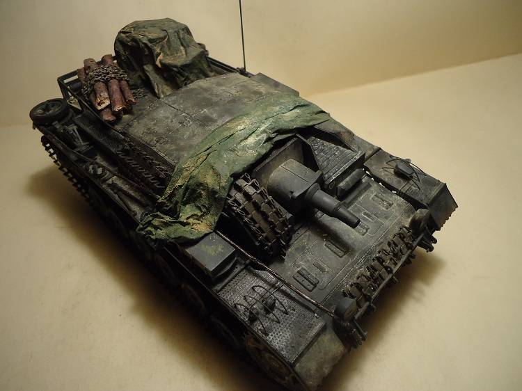 Sd.Kfz 142 StuG. III Ausf. B 1/35 DSC00897_zpsc9668af2