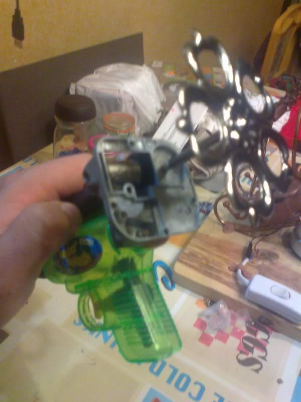 La Pistola de Ondas Hertzianas Amplificadas de Antena Espiral Dipolar Gama Rosetti Foto0257