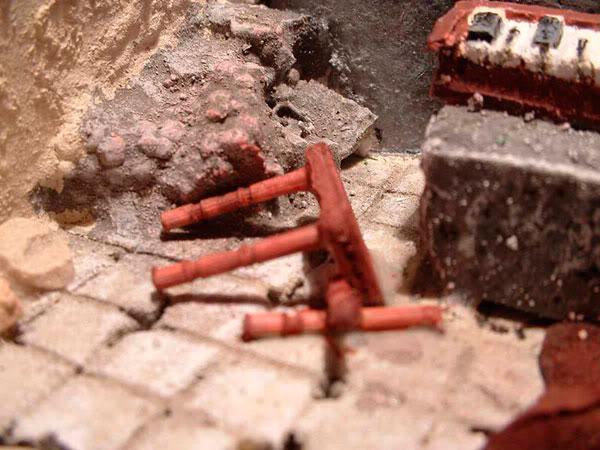 Templo Ruinoso (Maqueta) Taburete-escombros-cerca